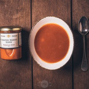 Glas Tomaten-Mango-Suppe aus der Münsterländer Speisekammer