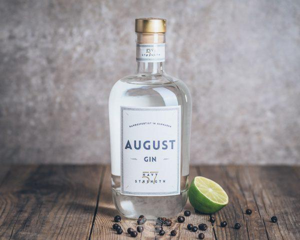 Flasche August Navy Gin