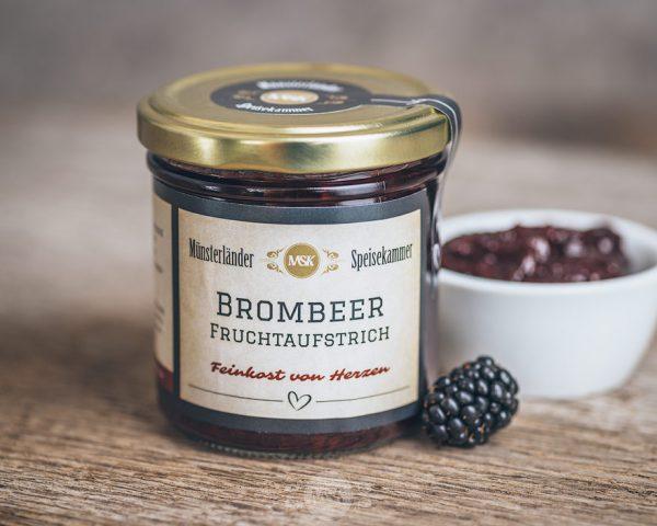Glas Brombeer Fruchtaufstrich von der Münsterländer Speisekammer