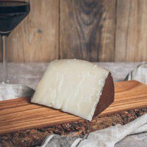 Stück Pecorino Käse