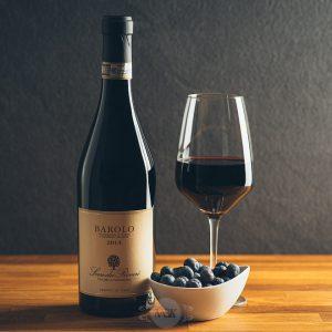 Flasche Rotwein Serre dei Roveri Barolo