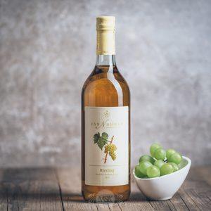 Flasche Van Nahmen Riesling Traubensaft