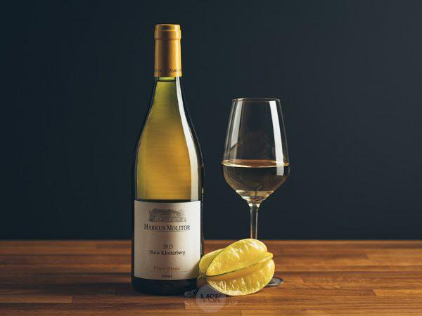 Flasche Weißwein Markus Molitor Haus Klosterberg Pinot Blanc
