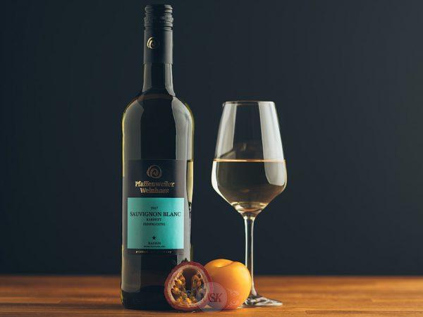 Flasche Weißwein Pfaffenweiler Weinhaus Sauvignon Blanc Kabinett