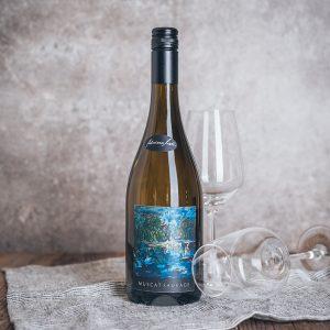 Flasche Weißwein Adriane Moll Muscat Sauvage