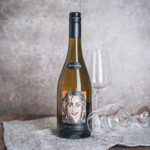 Flasche Weißwein Adriane Moll Riesling Surprise